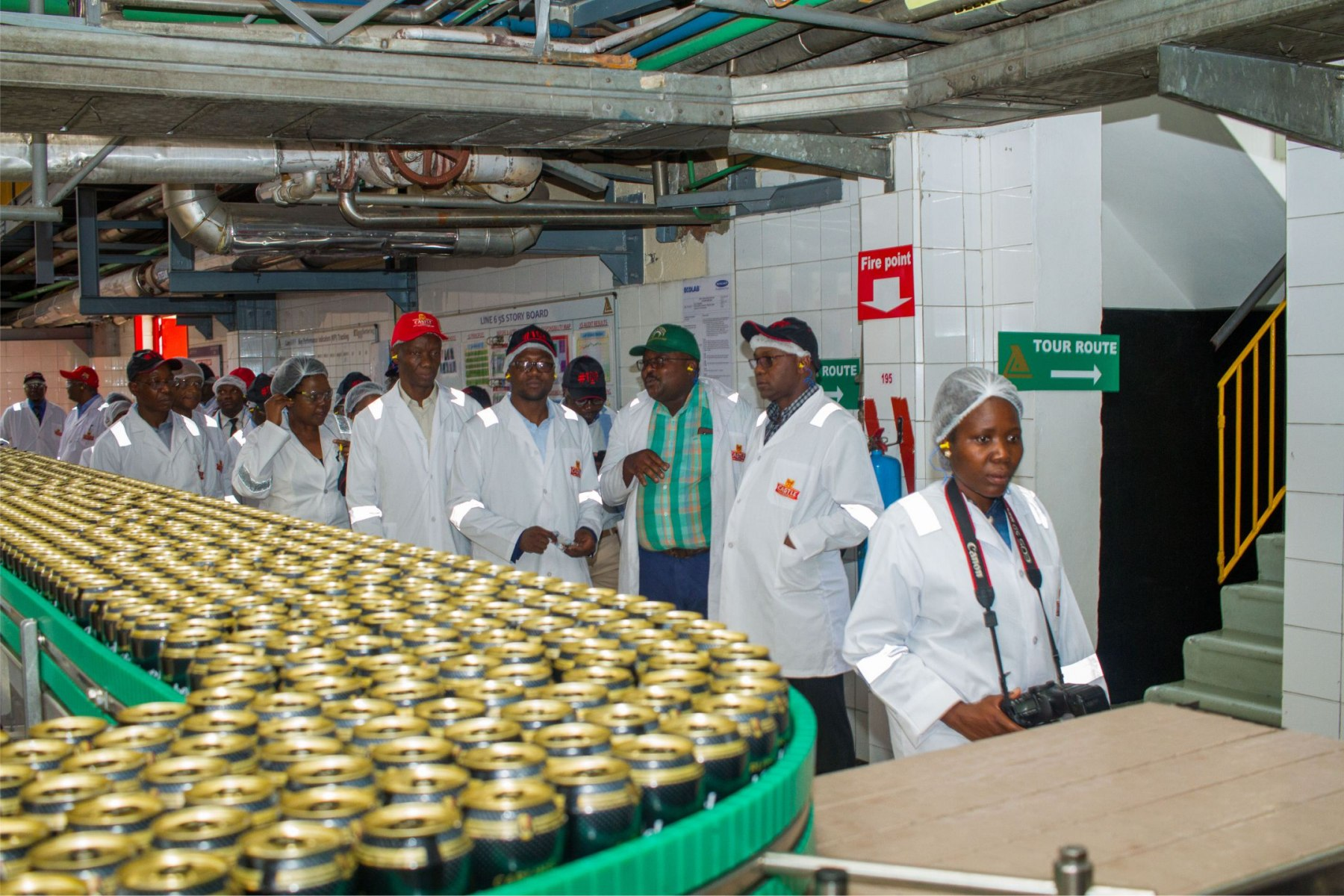 Minister Of Industry and Commerce Lagers Plant Tour